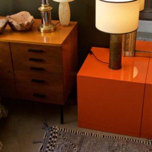 dealeuse-boutique-decoration-mobilier-luminaires-luminaire-vases-vase-lampes-lampe-laiton-marbre-vintage-tapis-beniouarain-zanafi-paris