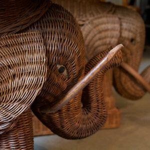 dealeuse-boutique-decoration-mobilier-luminaires-luminaire-vases-vase-lampes-lampe-laiton-marbre-vintage-paris-elephant-table-appoint-osier-basse