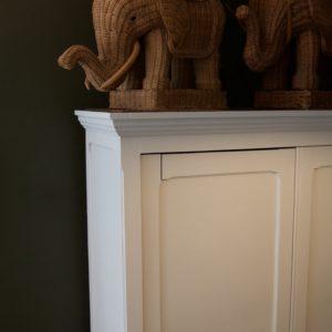 dealeuse-boutique-decoration-mobilier-luminaires-luminaire-vases-vase-lampes-lampe-laiton-armoire-parisienne-marbre-vintage-paris