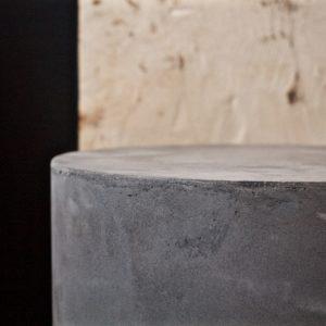 dealeuse-boutique-decoration-mobilier-luminaires-luminaire-vases-vase-lampes-lampe-laiton-marbre-vintage-paris-colonne-fibre-beton