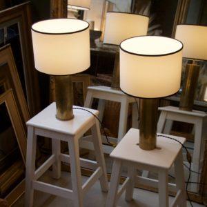 dealeuse-boutique-decoration-mobilier-luminaires-luminaire-lampes-lampe-laiton-douille-obus-abat-jour-sur-mesure-creation-vintage-paris