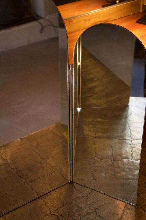 dealeuse-boutique-decoration-mobilier-luminaires-luminaire-vases-vase-lampes-lampe-laiton-marbre-vintage-miroir-miroirs-ancien-vintage-triptyque-paris