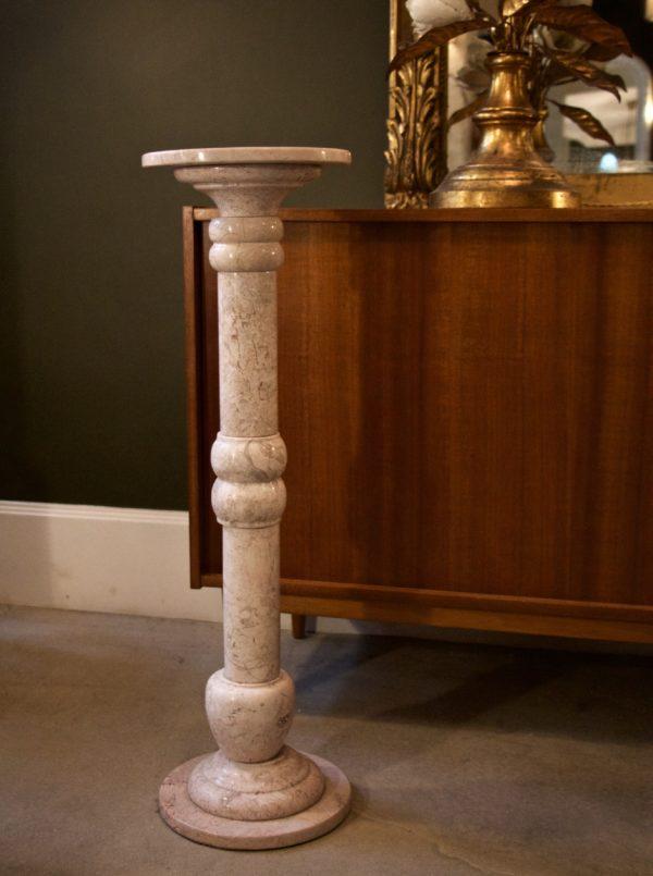dealeuse-boutique-decoration-mobilier-luminaires-luminaire-colonne-laiton-marbre-vintage-paris