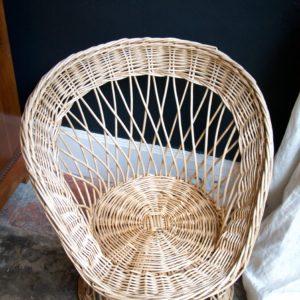 dealeuse-boutique-decoration-mobilier-luminaires-luminaire-vases-vase-lampes-lampe-laiton-marbre-vintage-fauteuil-rotin-osier-paris