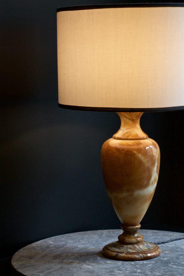 dealeuse-boutique-decoration-mobilier-luminaires-luminaire-vases-vase-lampes-lampe-laiton-vintage-marbre-paris