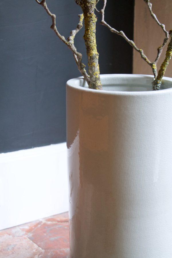 dealeuse-boutique-decoration-mobilier-luminaires-luminaire-vases-vase-lampes-lampe-laiton-marbre-vintage-paris-porte-parapluie-porcelaine-craquelee