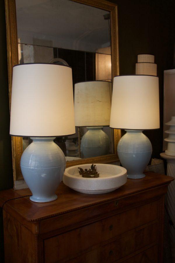 dealeuse-boutique-decoration-mobilier-luminaires-luminaire-vases-vase-lampes-lampe-laiton-vintage-ceramique-bleu-paris
