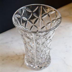 dealeuse-boutique-decoration-vase-objet-vintage-paris-verre-moulé