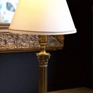 dealeuse-boutique-decoration-mobilier-luminaires-luminaire-lampes-lampe-laiton-abat-jour-sur-mesure-creation-vintage-paris