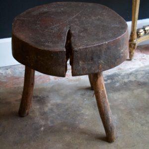 dealeuse-boutique-decoration-mobilier-luminaires-luminaire-vases-vase-lampes-lampe-laiton-tabouret-antiquite-antiquites-berbere-vintage-paris